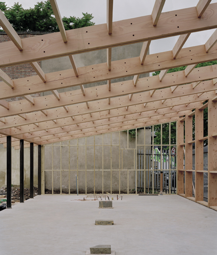<p>The studio structure consists of a frame of paired Douglas fir beams and columns. © David Grandorge</p>
