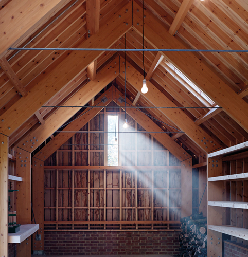 <p>All the timber elements in the single-volume space are visible and clearly expressed.</p> <p><span>© Cassion Castle Architects</span></p>