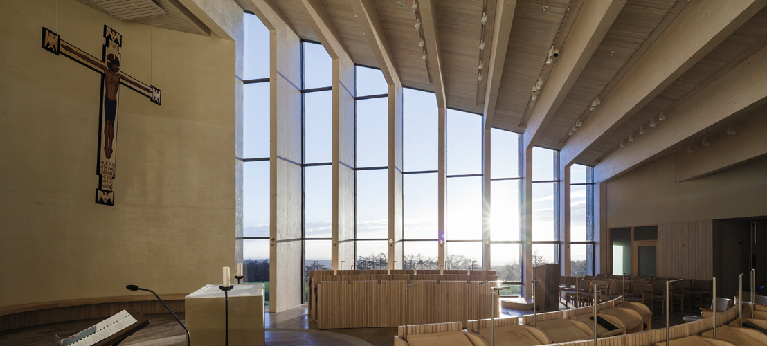 <p>The glulam columns on the south wall are set at 60 degrees to filter the light.</p> <p><span>© Peter Cook, Tim Crocker</span></p>