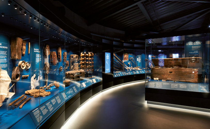 <p>The east and west galleries show some of the well-preserved contents of the Mary Rose.</p> <p><span>© </span><span>Hutton + Crow</span></p>